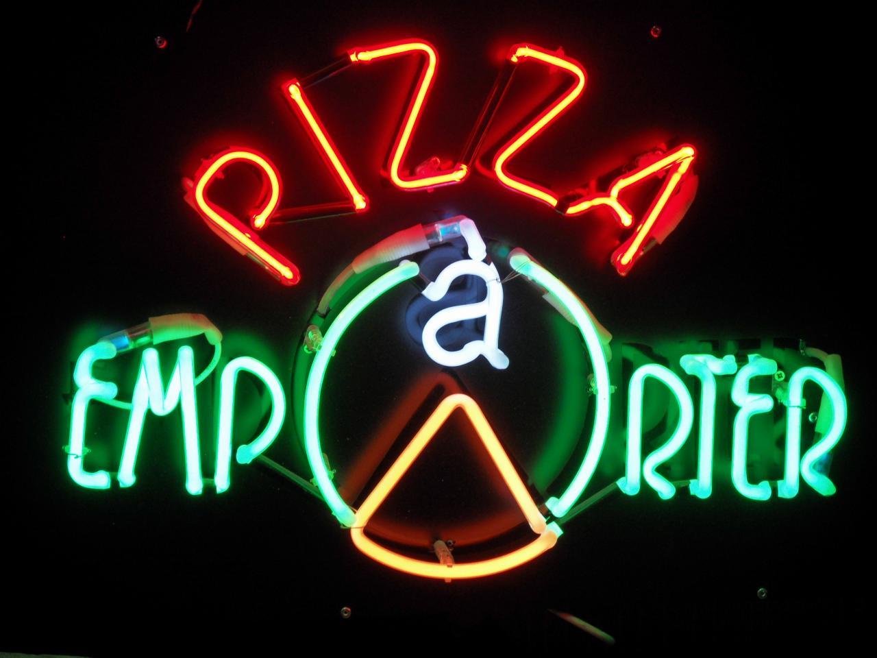 """""""PIZZA A EMPORTER"""" EN NEON"""